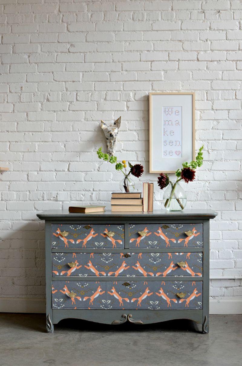 revestir un mueble papel pintado spoonflower